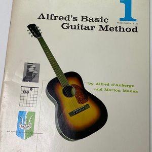 Vintage Accents - Vintage Alfred's Basic Guitar Method Music Book